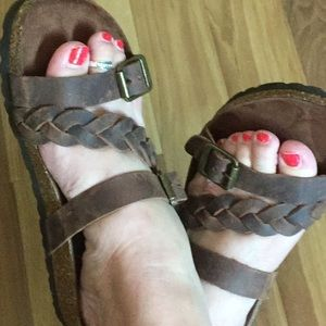 White Mountain Brown Leather Sandals